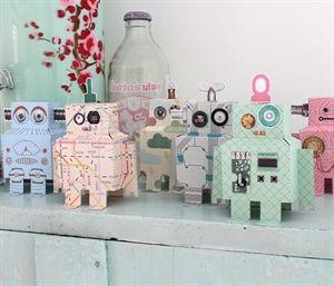 Sjove papir robotter fra Studio Ditte til sjov og pynt