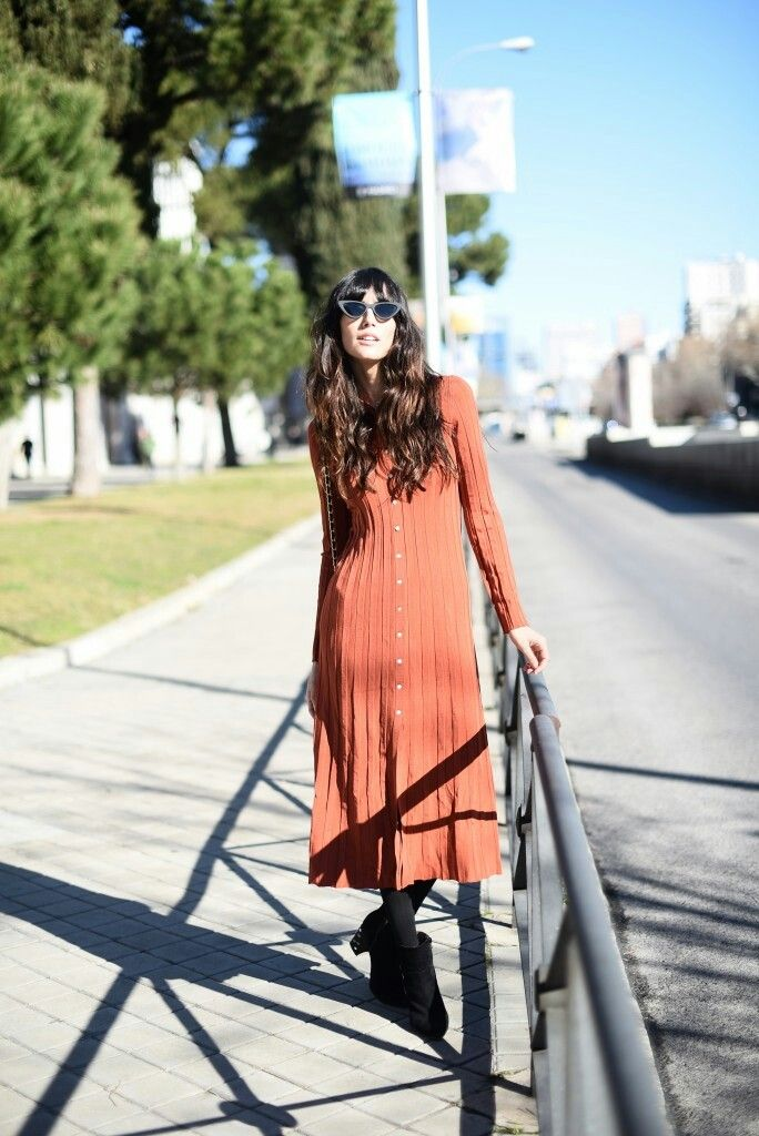 Ana Albadalejo con un vestido de nueva temporada de Zara