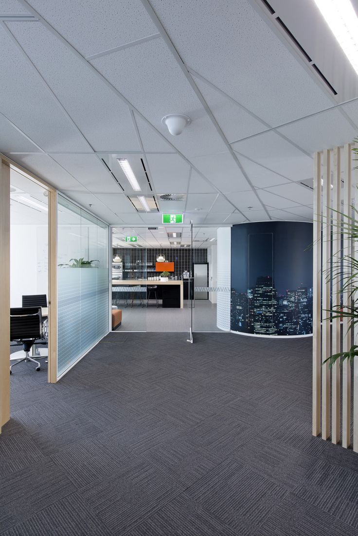 Interior photography of Invast offices, Gateway Tower, Sydney for BTF projects. Photography by Burrough Photography.