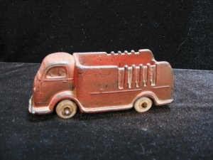 Auburn Red Rubber Truck @ Vintage Touch $13.00: Red Rubber, Auburn Red, Vintage Red