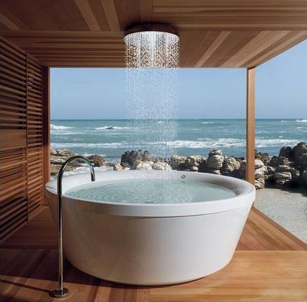 Incredible bathtub