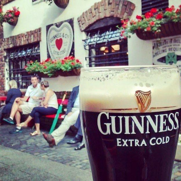 Duke Of York | 15 Jaw-Dropping Belfast Bars That You Need To Visit @kimberlymhmm Belfast ✔️