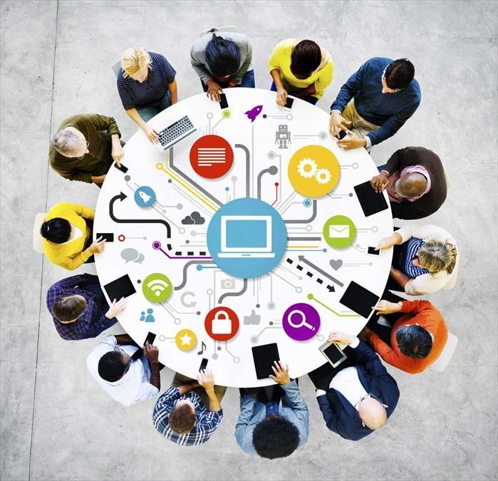 """Siamo felici di annunciarvi che è finalmente online e scaricabile gratuitamente il terzo #ebook di #Ong 2.0: """"Guida introduttiva all'uso delle ICT per lo sviluppo"""", risultato degli ultimi due anni di lavoro su questo tema."""