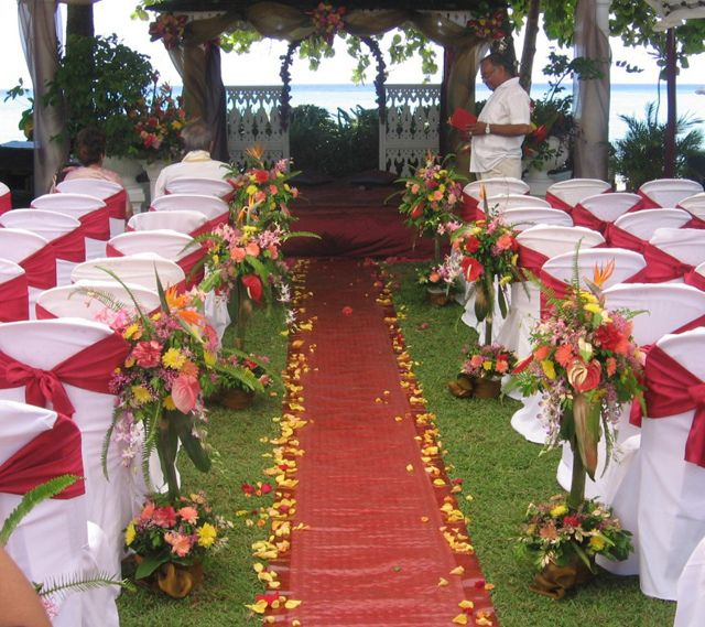 17 best images about outdoor weddings on pinterest for Outdoor wedding decorations on a budget