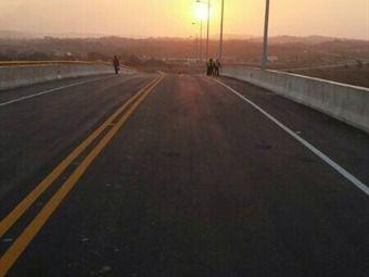 ocaso de mi hermoso pueblo  pd: puente baru