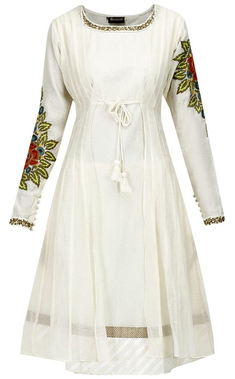 Ivory floral embroidered kurta by EKRstyle