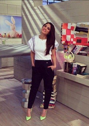 11/4/2014, Μαίρη Συνατσάκη @ Prwino Tv Show
