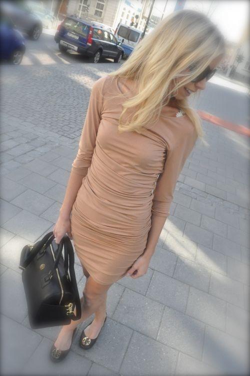 Patrizia Pepe, kjole Tory Burch, veske og sko