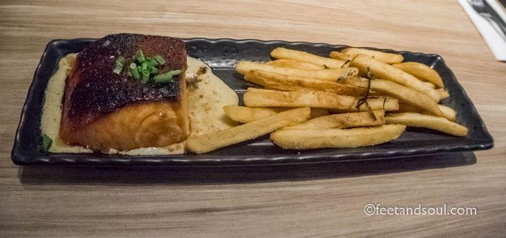 #feetandsoul #singapore #sg #hollandvillage #lorongmambong #fries #frenchfries #food #foodie #foodporn