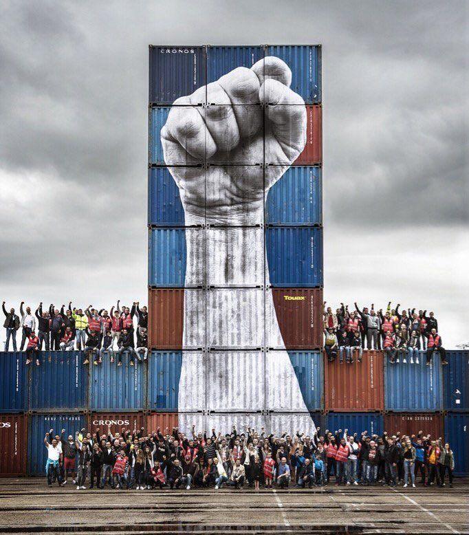 Docker, Le Havre, Francia: nuovo pezzo dello street artist francese JR Artist.