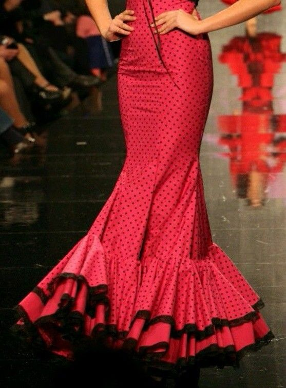 Rocio Peralta. Corte falda
