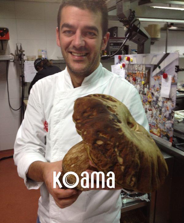 ¡En el Restaurante España ya tienen la carta de otoño lista! #Caza y #setas son los ingredientes principales. ¡Mirad que #boletus de 2 kilos tiene en su cocina! ¿Ideas de cómo prepararlo?  ;)