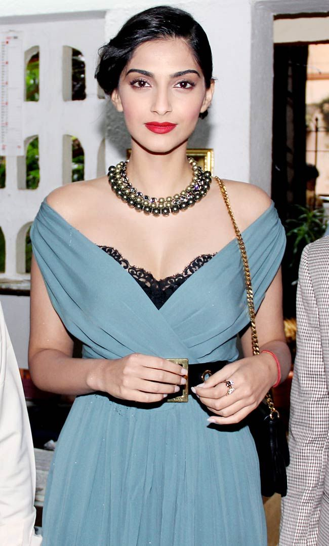 Sonam Kapoor at the unveiling of Stardust magazine cover. #Bollywood #Fashion