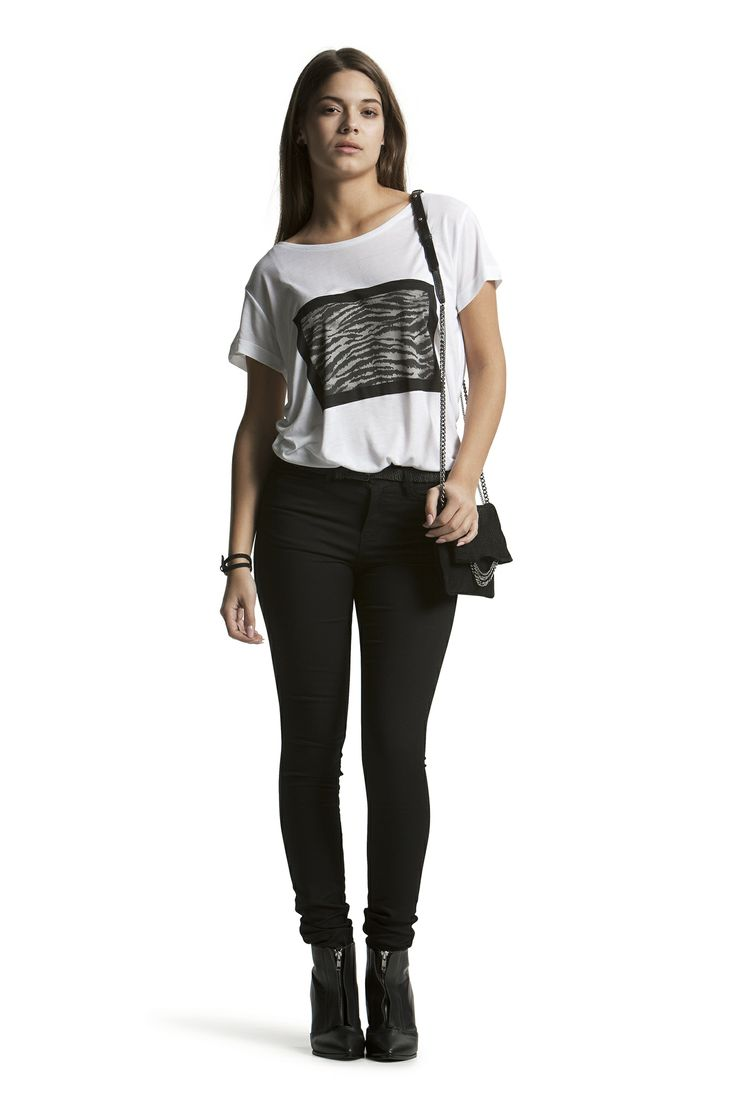 Deleila Tee with Concorde Slim HW Jeans