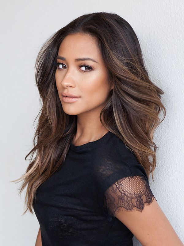 Shay Mitchell's Beauty Goal for 2016: 'I'm Going to Have a Little More Fun This Year' http://stylenews.peoplestylewatch.com/2016/01/11/shay-mitchell-announces-partnership-with-biore/