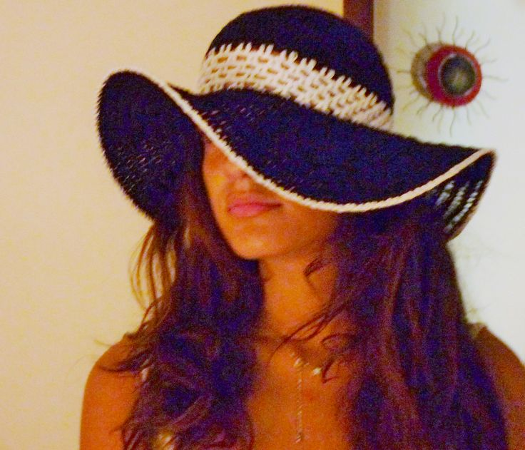 mia figlia e i miei cappelli :-)
