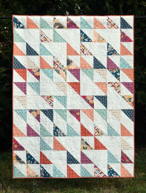Meadow Mist Designs: Blithe Quilt with the Fat Quarter Shop and Art Gallery Fabrics