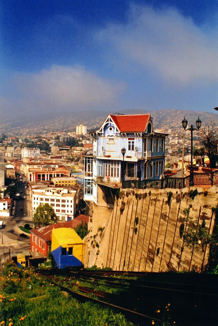 Valparaiso by First Premium Travel, Always the best of Chile. #puerto #port #mar #sea #patrimonio #heritage #ascensores #elevator #playa #beach