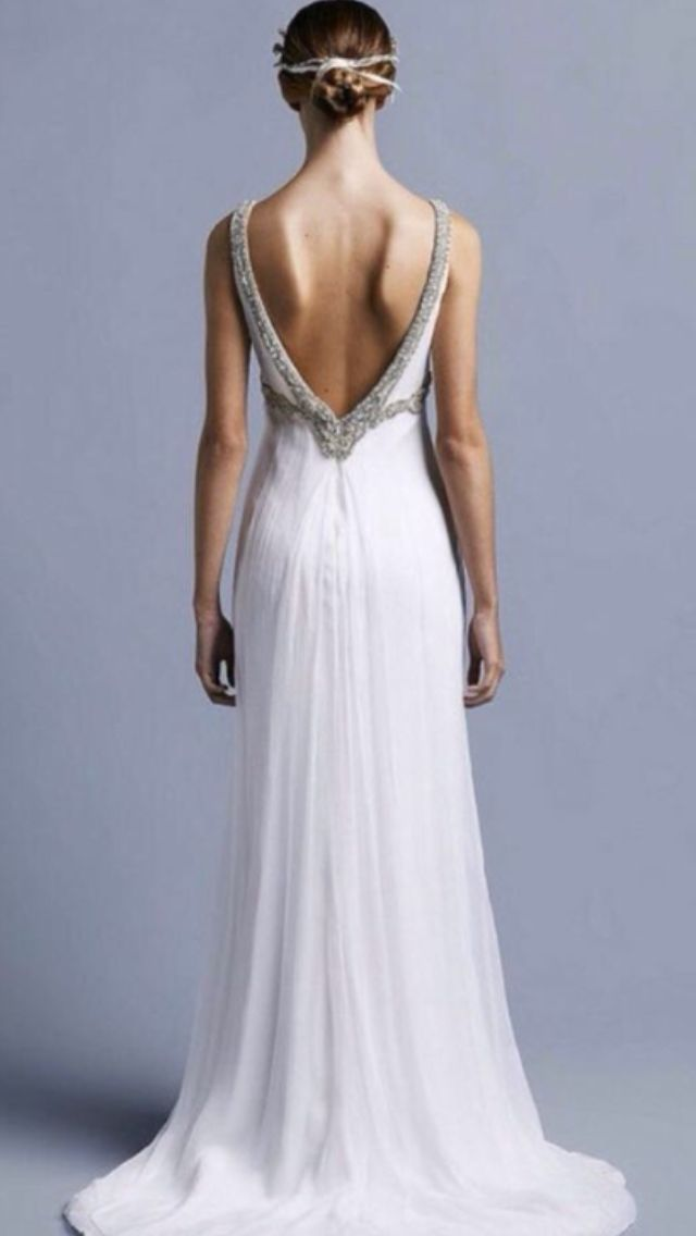Collette Dinnigan used wedding dress for sale on the Find me a Wedding Dress App! Download straight to your iPhone today!