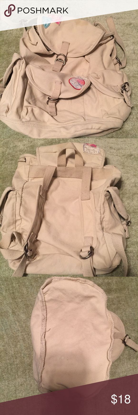 Aeropostale cream colored canvas backpack Aeropostale cream backpack   This is a very clean backpack. It measures 12 inches wide and 14 inches tall. It has several compartments and is in great shape. Please view all pictures. Aeropostale Bags Backpacks
