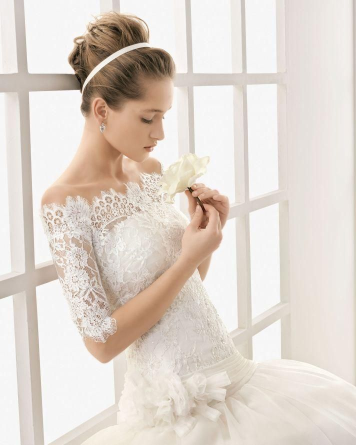 Pros and Cons of shopping dress online. #weddingdresses #bridaldresses #weddinggowns