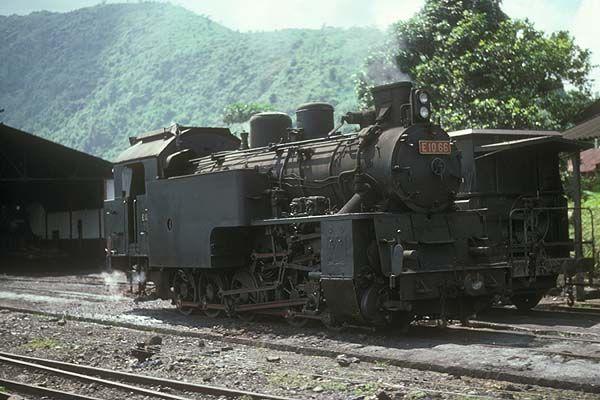E1066 at Padang Panjang, 1977.