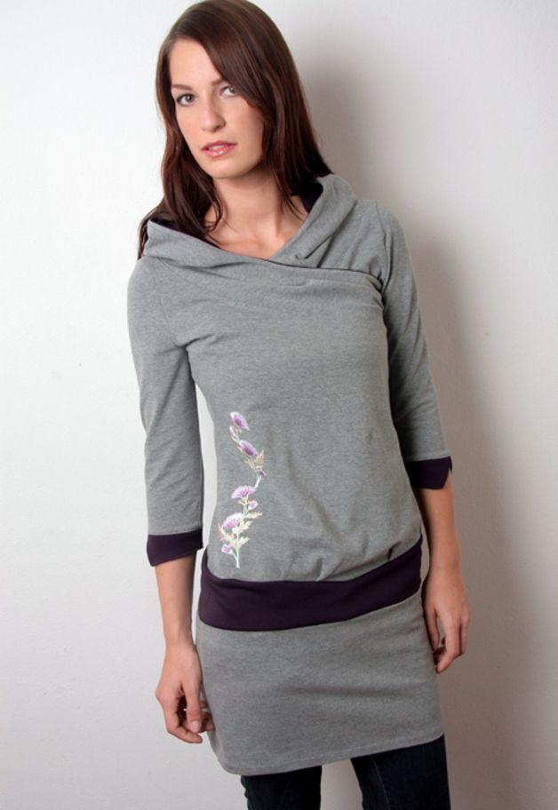Knielange Kleider - hoodie kleid + grau - lila + blumen - ein Designerstück von stadtkind_potsdam bei DaWanda