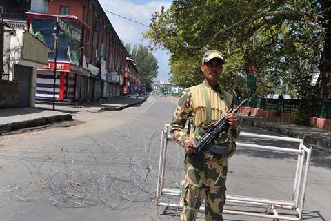 After night curfew authorities stop supply of milk veggies to Srinagar