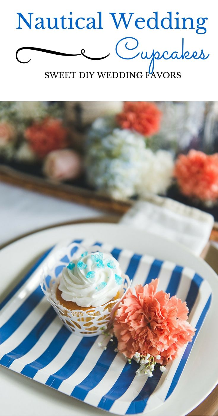 Turn bakery cupcakes into nautical wedding favors with just a few DIY supplies. Your guests will love them and they'll look oh-so-chic! Take a look at the full tutorial from @sweetlychicdes