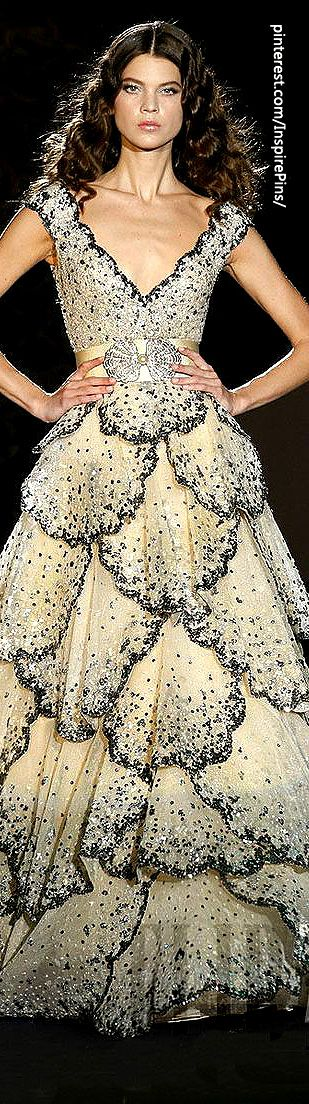 Its like a grownup flower fairy dress. I want one. Zuhair Murad - Haute Couture - Spring-summer 2009