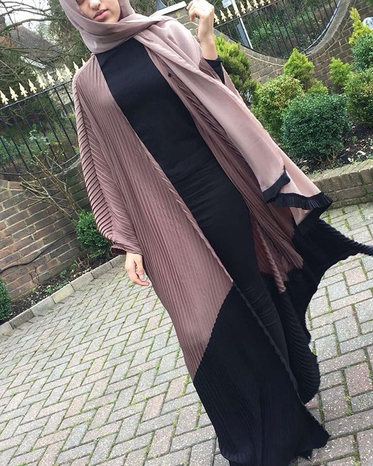 P I L L A R  Our new pleated abaya range online now. LIMITED EDITION only 3 pieces!!! www.shoppillar.com  #shoppillar #pillar #pleatedabaya #abayarange #love #want #modesty #limitededition #dubai #uae #hijabfashion #mashallah❤️ #turkey #uk #excited #newdesigns