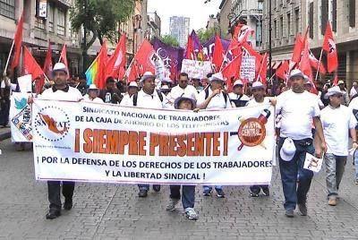 TRABAJADORES DESPEDIDOS DE LA CAJA DE AHORRO DE LOS TELEFONISTAS RESISTEN DIGNAMENTE