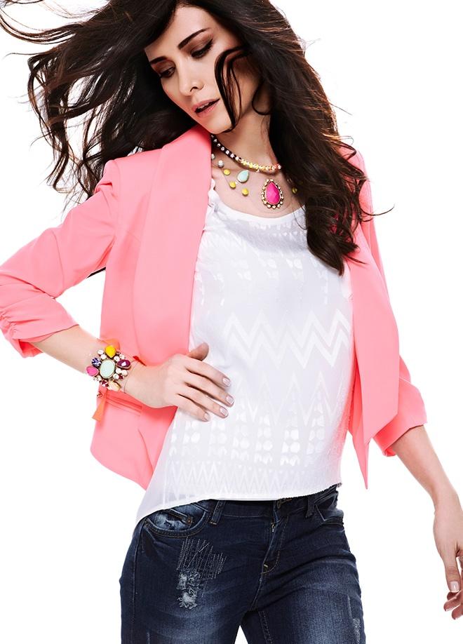 Giselle Bluz Markafonide 69,90 TL yerine 34,99 TL! Satın almak için: http://www.markafoni.com/product/3694008/