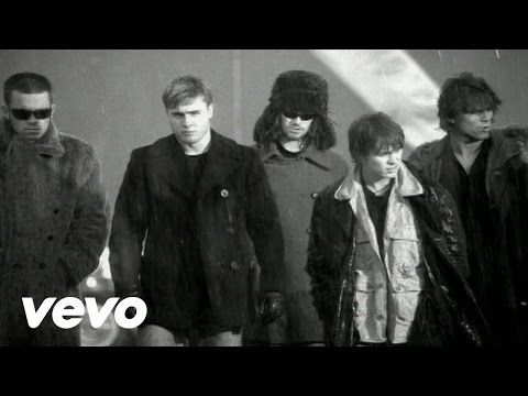 Take That's official music video for 'Back For Good'. Click to listen to Take That on Spotify: http://smarturl.it/TakeThatSpotify?IQid=TTBFG As featured on N...