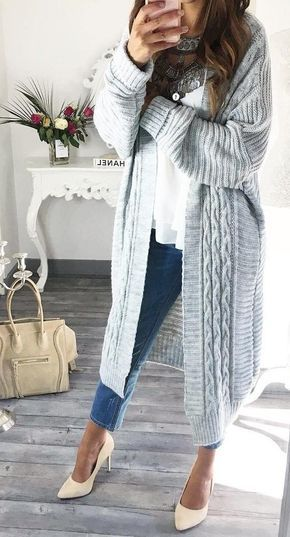Grey Cardigan // White Top // Skinny Jeans Source