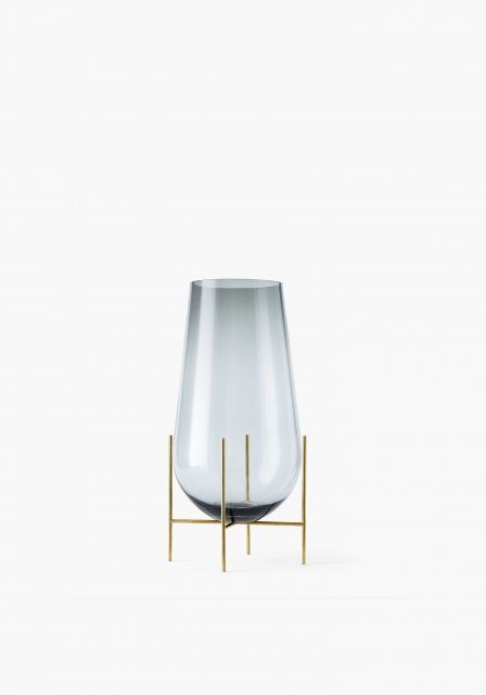 The Echasse Vase combines the classic elegance of a traditional glass vase with a playful, light expression. The word échasse is French for stilts – and this