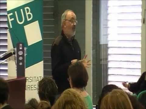 """▶ """"A favor de una escuela educativa. Educarse en la era digital"""" Ángel Pérez Gómez - YouTube"""
