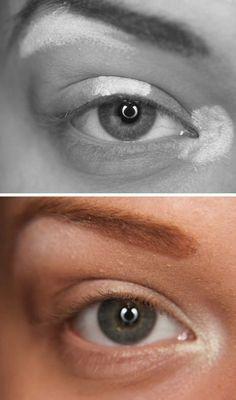 OS CLAROS PRIMEIRO A colocação de destaques é muito importante quando se tenta criar naturalmente bela maquiagem dos olhos. Suas cores mais claras (brancos, cremes, e pérolas) deve ser aplicada aos cantos internos, o meio do olho, e apenas sob seu osso da testa. Aplicar as cores mais claras primeiro, e depois passar para os seus tons mais escuros. Confira mais detalhes