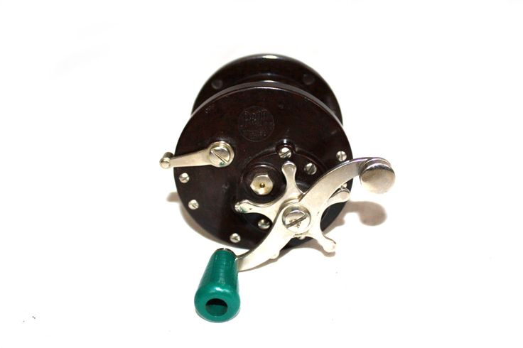 Vintage Fishing Reel Penn Peer No 85 Green Fishing reel 1960's Salt Water Fishing Reel Penn Fishing Reels Bakelite Knob Chrome (25.00 USD) by DieVoltVintage