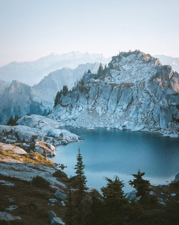 This lake made me yell out loud in excitement. It was that beautiful.. what a weekend. Alpine Lakes Wilderness, WA [OC] [2398 x 3000] : EarthPorn