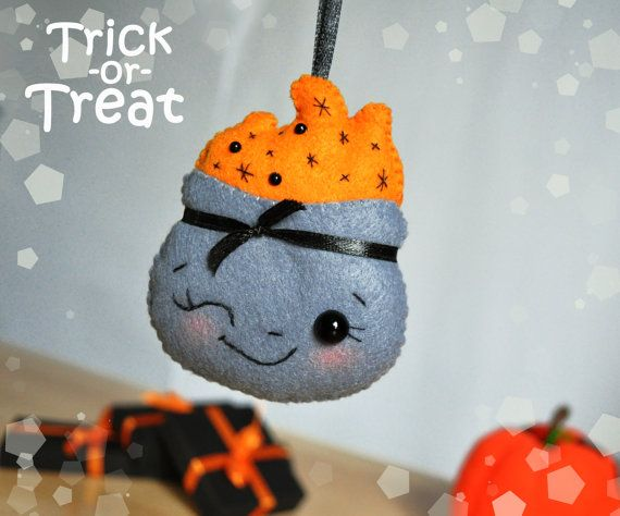 Hey, I found this really awesome Etsy listing at https://www.etsy.com/listing/247028700/halloween-felt-ornament-witches-cauldron
