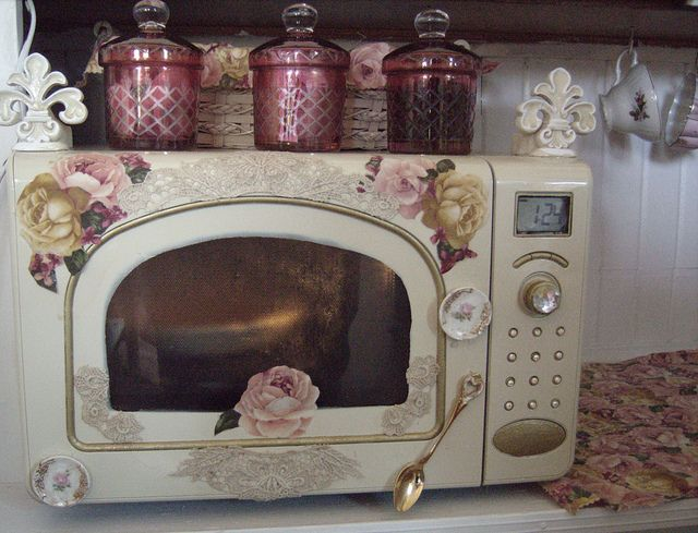 SHABBY CHIC MICROWAVE  I REPAINTED MY STAINLESS STEEL MICROWAVE TO MATCH MY SHABBY CHIC KITCHEN