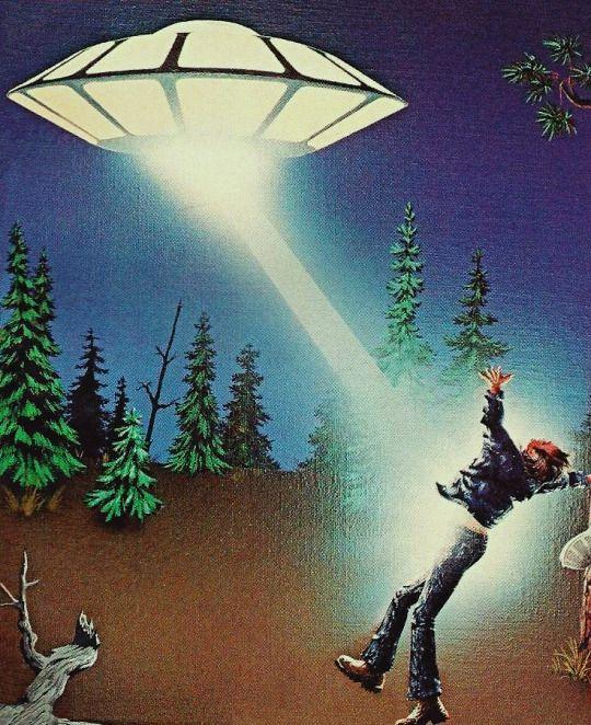 58 Best Retro Scifi Images On Pinterest: 111 Best Images About Alien & UFO Art On Pinterest