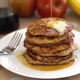 Paleo apple cinnamon pancakes