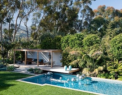 beautiful outdoor areas: Pools Area, House Beautiful, Design Pools, Outdoor Living, Built In, Swim Pools, Pools House, Pools Design, Design Swim