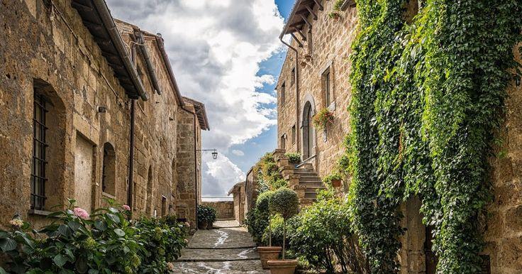 Medieval Alley | #alley #architecture #medieval #mediterranean #middleages #past #stilllife #wallpaper #desktop #free | Original size: 6000x4000