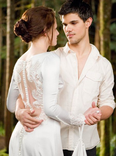 I love them together SO much, TEAM JACOB.Love these movies.Please check out my website thanks. www.photopix.co.nz