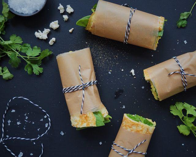 Æggewrap med spinat, tun & feta - perfekt i madpakken.
