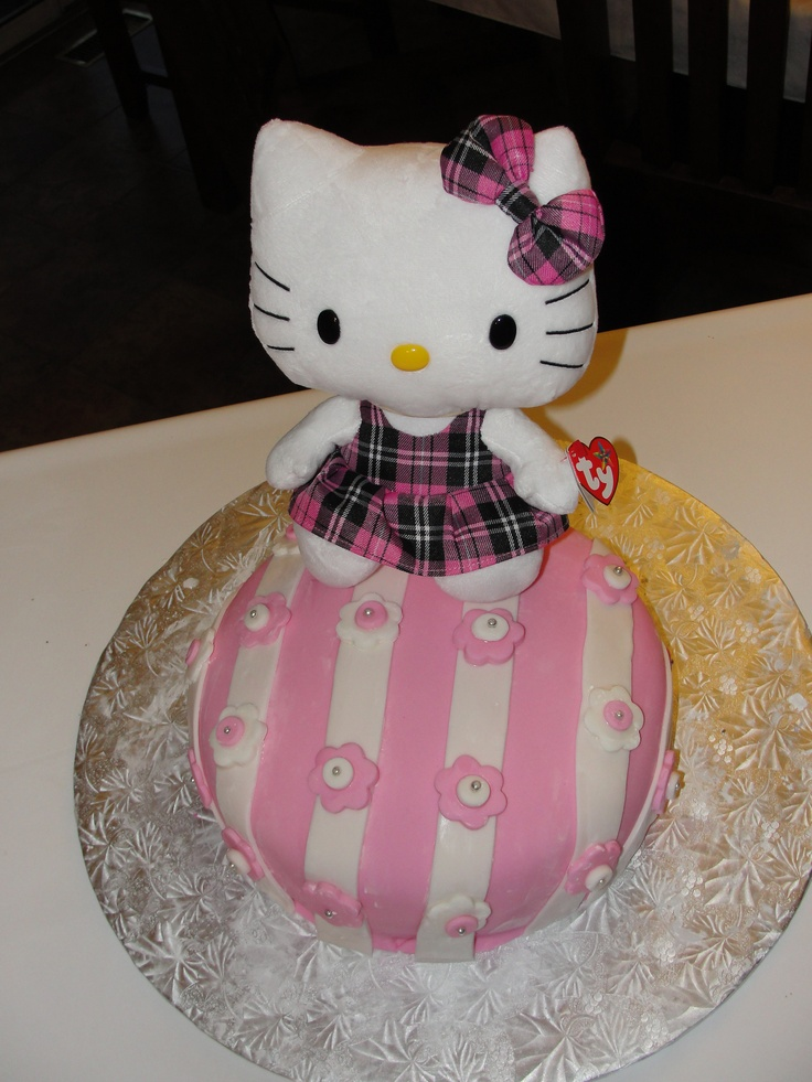 Helly Kitty Cake: Kitty Cakes, Birthday Cakes