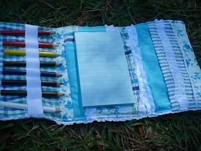 the homespun heart: Operation Homemade Shoebox: Art Kit